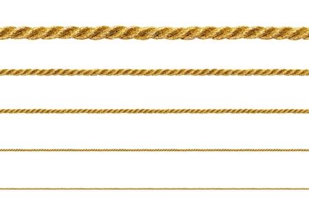 Corda dourado sem emenda no fundo branco para replicar cont�nua. Banco de Imagens