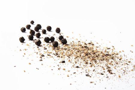 pepe nero: tutta la terra e pepe nero su bianco
