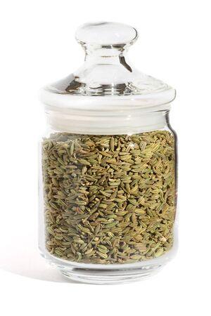 finocchio: spezie, semi di finocchio in un vaso di vetro