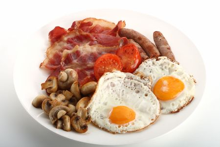 bacon baked beans: Traditional English breakfast - tomatoes, fried sausages, bacon, mushrooms, eggs