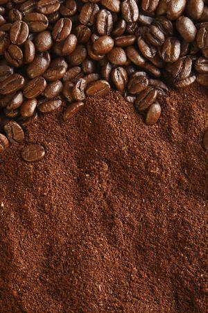 comida colombiana: los granos de caf� y de tierra, ideal para fondo, c�lida luz
