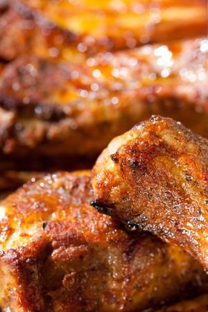 barbecue ribs: costillas de deliciosa barbacoa picante, Close-up, GDL superficial