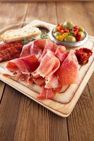 chorizo: Platter of serrano jamon Cured Meat, Ciabatta, chorizo and olives