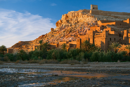 Ait Benhaddou Ksar Kasbah, Marokko, Afrika, in zonsondergang Stockfoto