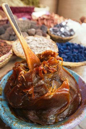 Moroccan Black Olive Hammam Soap in the Marrakesh street souk shop Standard-Bild