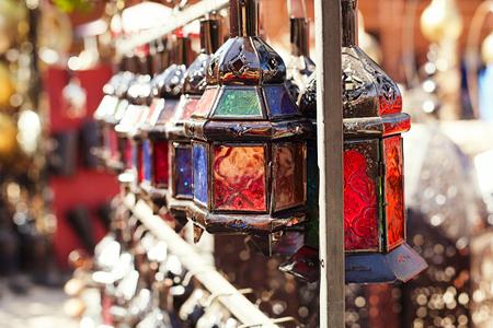 Moroccan glass and metal lanterns lamps in Marrakesh souq Foto de archivo
