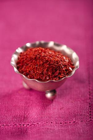 Aleppo Pepper mild chilli flakes in silver plate
