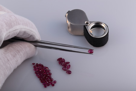 Natural ruby and tools gemologist.