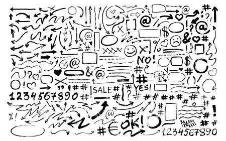 Ensemble de flèches dessinées à la main, icônes, hashtags. Symboles sociaux. Vecteurs