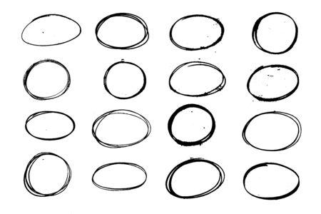 Set di ovale grunge nero, cerchio. Elemento di design abbozzato a mano. Vettoriali
