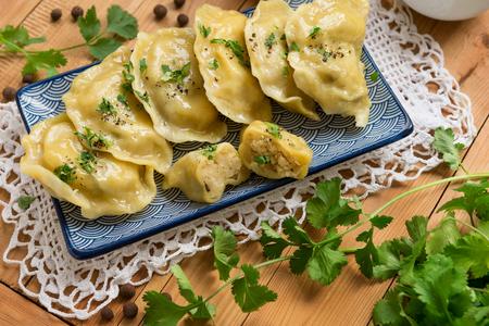 Dumplings with potatoes and mushrooms. Imagens