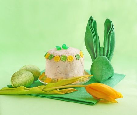 serviettes: Holiday serving of Easter table with serviettes and easter curd pie