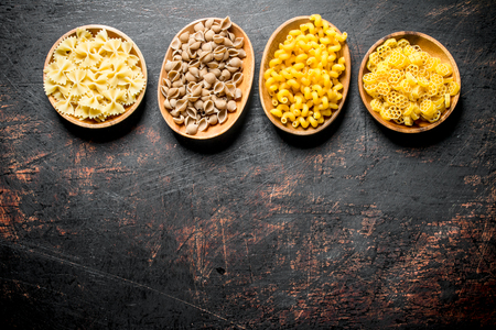 Different types of raw paste in bowls. On dark rustic background 版權商用圖片