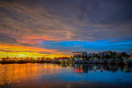 Panoramic view of Clearwater Marine on sunset background in Gulf Coast Beaches Imagens