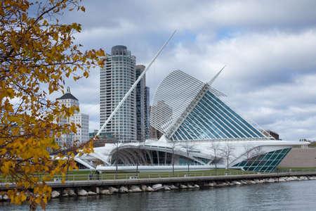 The Milwaukee Art Museum and Downtown Skyline