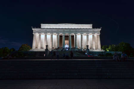 Abraham Lincoln Memorial in night, Washington DC, USA Éditoriale