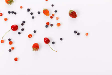 Fresh summer berries, strawberries, raspberries, blueberries, cherries on a white background Zdjęcie Seryjne - 151169269
