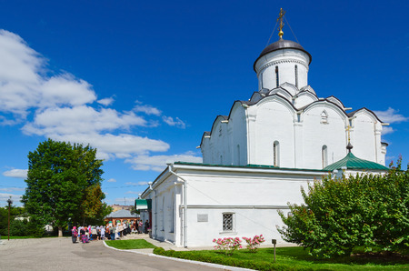 vladimir: VLADIMIR, RUSSIA - AUGUST 21, 2015: Unknown pilgrims visit the Assumption Cathedral of the Holy Dormition Knyaginin nunnery, Vladimir, Russia