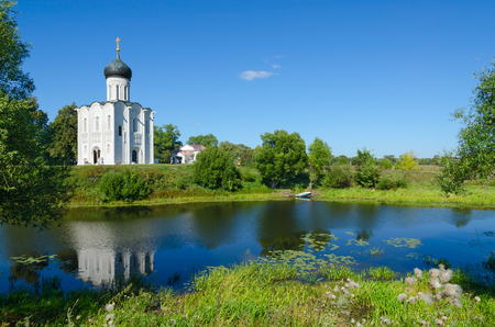 nerl: Beautiful summer view of Church of Intercession on Nerl near village of Bogolyubovo, Vladimir region, Russia Stock Photo