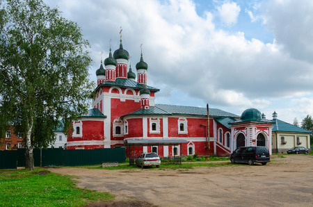 uglich russia: UGLICH, RUSSIA - JULY 19, 2016: Church of icon of Our Lady of Smolensk, Epiphany Monastery, Uglich, Russia Editorial