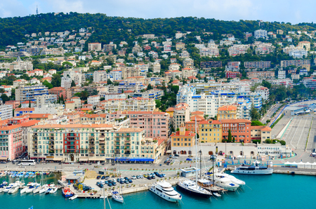 NICE, FRANCE - SEPTEMBER 15, 2018: Scenic view from above of port of Nice, Cote d'Azur, France Standard-Bild - 112050718
