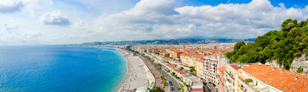 Beautiful panoramic view from above on sea and Promenade des Anglais, Nice, France Standard-Bild - 112072979