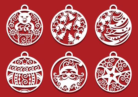 Père Noël, cochon tenant un cadeau à l'intérieur des boules de Noël. Symbole de 2019 pour la découpe laser.. Ensemble de décorations du nouvel an.