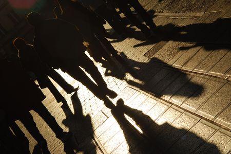Personas caminando en una calle de la ciudad  Foto de archivo - 2135485