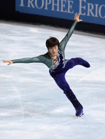 PARIS - OCTOBER 17: Chao YANG of China performs at mens free skating event of the ISU Grand Prix Eric Bompard Trophy on October 17, 2009 at Palais-Omnisports de Bercy, Paris, France.