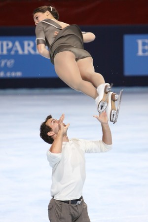 PARIS - OCTOBER 17: Jessica DUBE and Bryce DAVISON of Canada during pairs free skating event at Eric Bompard Trophy October 17, 2009 at Palais-Omnisports de Bercy, Paris, France.