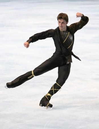 PARIS - Oktober 17: Brian JOUBERT von Frankreich führt bei der Herren freien Skating Veranstaltung der ISU Grand Prix Eric Bompard Trophy für Oktober 17, 2009 am Palais-Omnisports de Bercy, Paris, Frankreich.