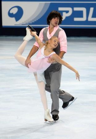 PARIS - OCTOBER 17: Maria MUKHORTOVA and Maxim TRANKOV of Russia during pairs free skating event of ISU Grand Prix Eric Bompard Trophy October 17, 2009 at Palais-Omnisports de Bercy, Paris, France.