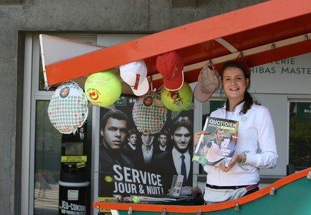 small articles: PARIS - MAY 21: Roland Garros 2010 atmosphere - shopping stand for small articles at the French Open Grand Slam tennis tournament on May 21, 2010 in Paris, France. Editorial