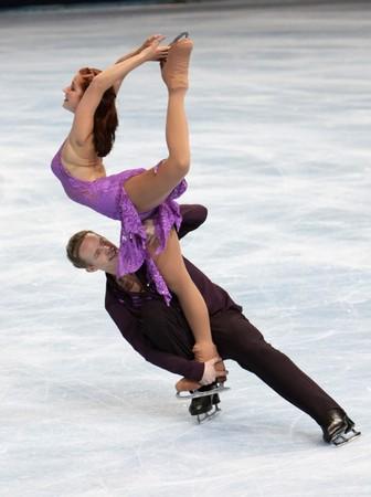 PARIS - OCTOBER 17: Emily SAMUELSON and Evan BATES of USA perform free dance at the ISU Grand Prix Eric Bompard Trophy October 17, 2009 at Palais-Omnisports de Bercy, Paris, France.