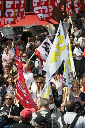głosowało: Paryż - czerwca 24: 2,000,000 ludzie wykazać podczas ogólnokrajowe strajku Francji przeciwko emerytalnych remontów gdzie bill podniesienie wieku emerytalnego od 60 do 62 jest głosowanie we wrześniu 24 czerwca 2010 roku w Paryżu, Francja