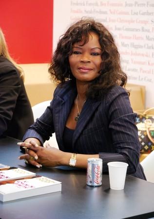 cameroonian: PARIS - MARCH 15: Cameroonian award winning writer Calixthe Beyala during autograph session at the Paris Book Fair - Salon du Livre 2009 on March 15, 2009 in Paris, France