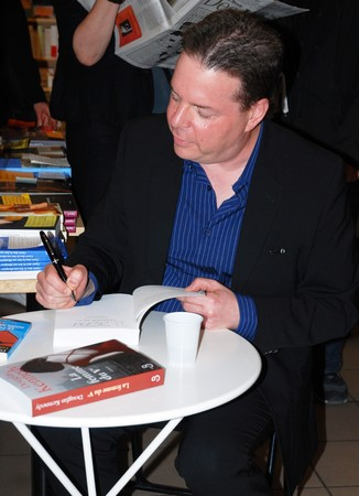 trashy: PARIS - MAY 03: American writer Douglas Kennedy signs French version of his book The Trashy Woman in the Fifth in the Atout Livre bookstore on May 03, 2007 in Paris, France
