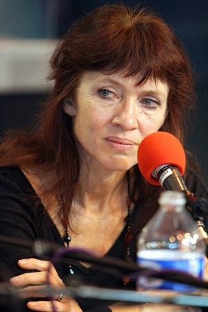 roundtable: PARIS - MARCH 15: FrenchCanadian award-winning writer Nancy Huston takes part in the round table debate at the Paris Book Fair - Salon du Livre 2009 on March 15, 2009 in Paris, France Editorial