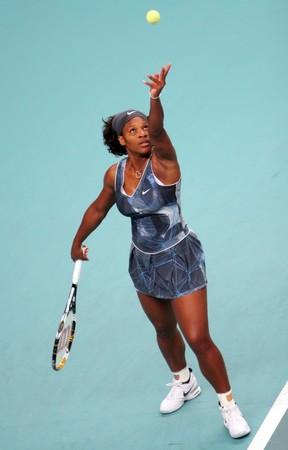 PARIS - FEBRUARY 13: US Serena Williams serves during her quater final match at Open GDF SUEZ WTA tournament, Pierre de Coubertin stadium on February 13, 2009 in Paris, France. Stock Photo - 7737325