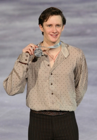 abbott: PARIS - NOVEMBER 17: Jeremy ABBOTT of USA poses at the medal ceremony after winning silver at Eric Bompard Trophy on November 17, 2012 at Palais-Omnisports de Bercy, Paris, France.