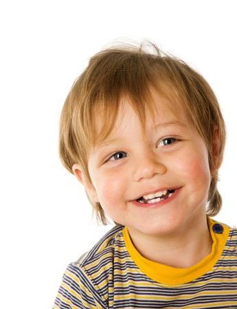 bambin: Gar�on heureux dans trois ans �ge rire isol� sur fond blanc
