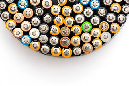 Used alkaline batteries AA size format of different brands lying in a rows 版權商用圖片 - 148165052