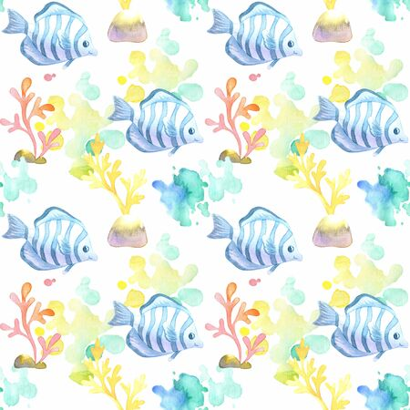 Seamless pattern with beautiful exotic fish. Colorful hand drawn illustrations. Watercolor background. Standard-Bild - 133948084