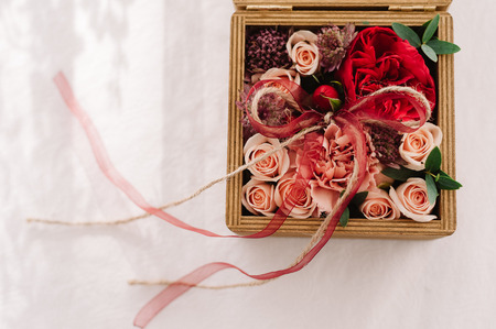 Floristic wedding wooden box decoration 스톡 콘텐츠