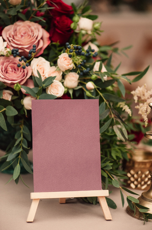 Table number and flower composition, copy space, blank space 스톡 콘텐츠
