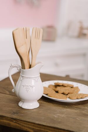 White modern kitchen scandinavian style decorated for Christmas with xmas ginger cookies 스톡 콘텐츠