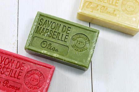 With Spa setting Natural soaps and flower for aromatherapy Banque d'images