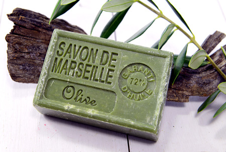 With Spa setting Natural soaps and flower for aromatherapy Éditoriale