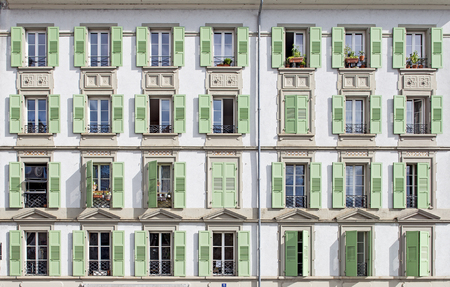 Windows of a house, placed harmonically and symmetrically Banque d'images