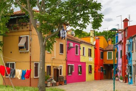 case colorate: Case colorate sul Burano, Venezia, Italia